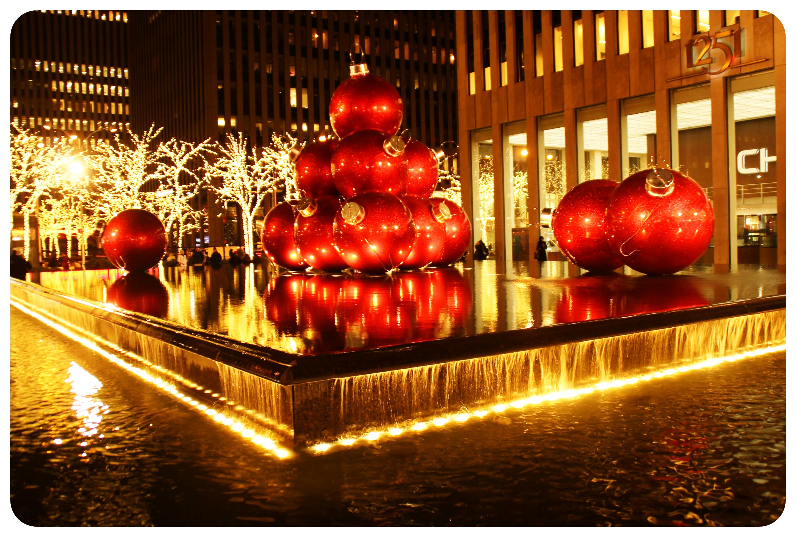 new york christmas display
