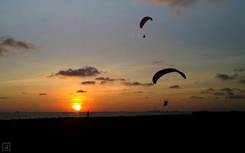 cloud sun beach thailand rayong paramotor laemcharoen
