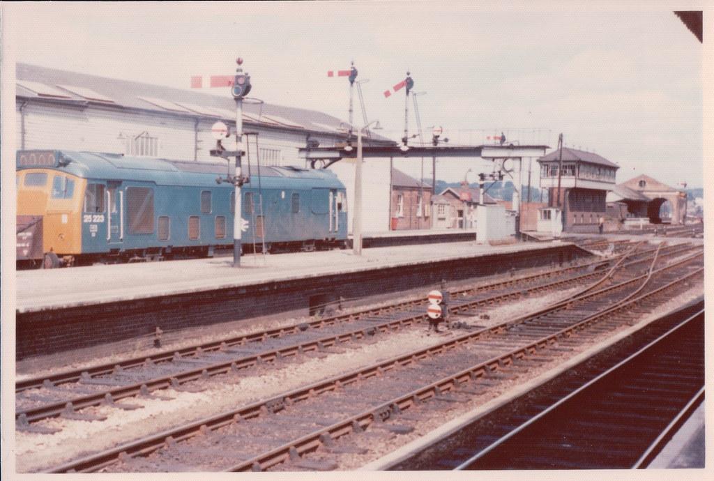Class 25223 passing through Exeter St Davids 1976.