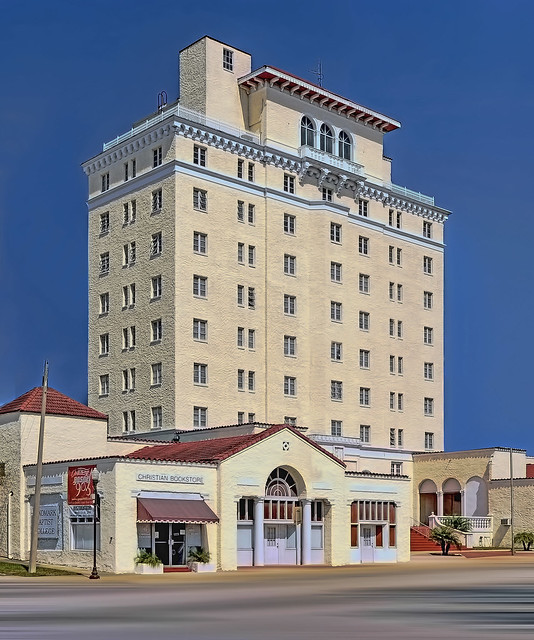 Polk Hotel, 800-810 Hinson Avenue, Haines City, Polk County Florida, USA / Height: 112.00 ft, Completed: 1926 / Architectural Style: Italian Renaissance Revival