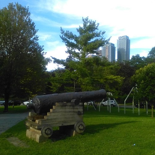 Cannons of Louisbourg, 2 #canada #toronto #louisbourg #newfrance #cannon #universityoftoronto