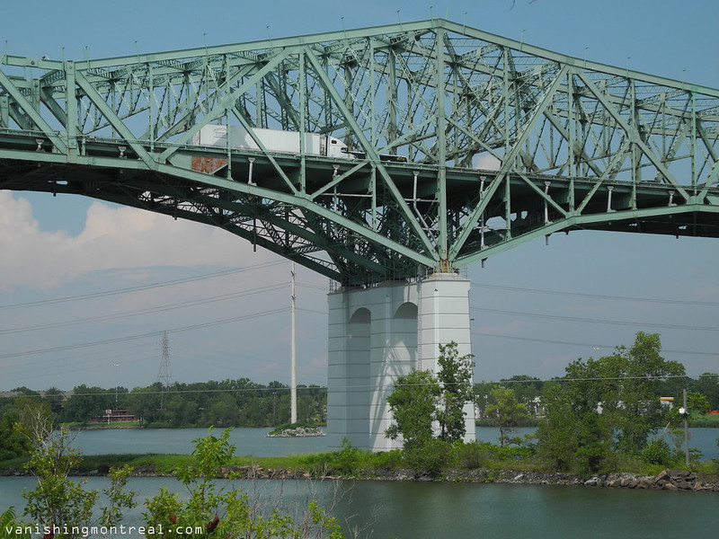 Champlain bridge 4