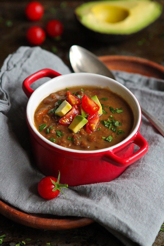 Slow Cooker Chipotle Lentil Soup with Avocado... Healthy & delicious, with very little prep time. 298 calories and 2 Weight Watchers Freestyle SP #recipe #vegan #vegetarian