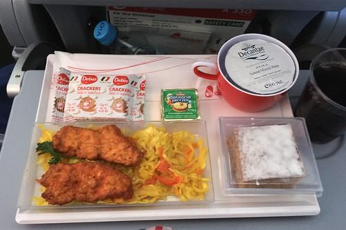 Marinierte Hähnchenbrust auf Curry-Krautsalat / Marinated chicken breast on curry cole slaw