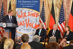 Atlantic Council President and Chief Executive Officer Frederick Kempe delivers remarks at an event to commemorate the arrival of a segment of the Berlin Wall that will be displayed in the U.S. Diplomacy Center, at the U.S. Department of State in Washington, D.C., on October 7, 2015. [State Department photo/ Public Domain]