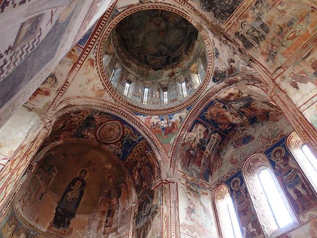 大聖堂内部の南東側