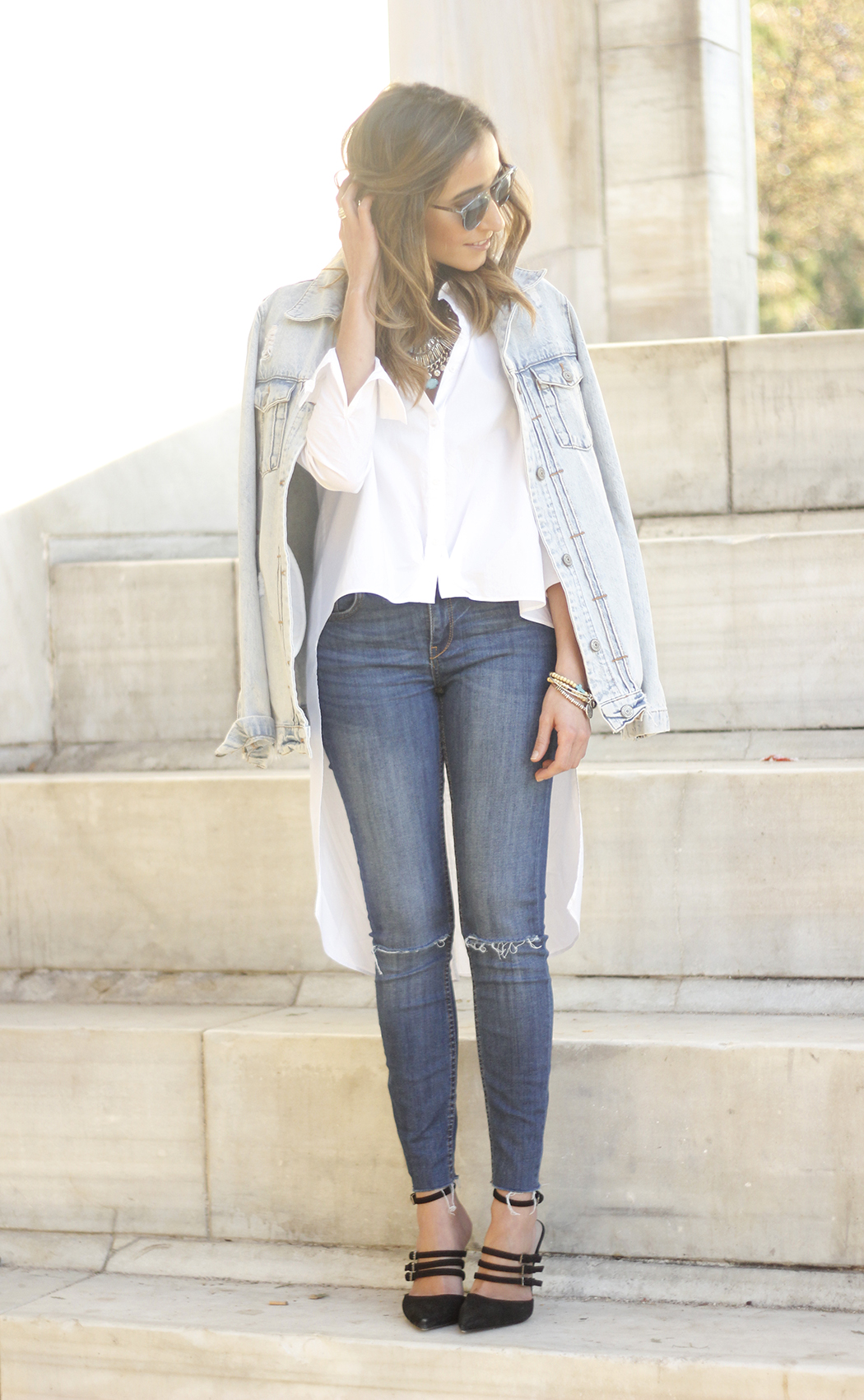 Denim Jacket Jeans White Shirt Black Heels outfit18