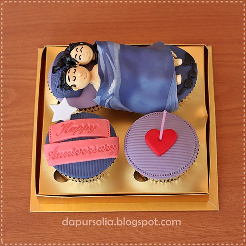 Man and Wife Cupcakes