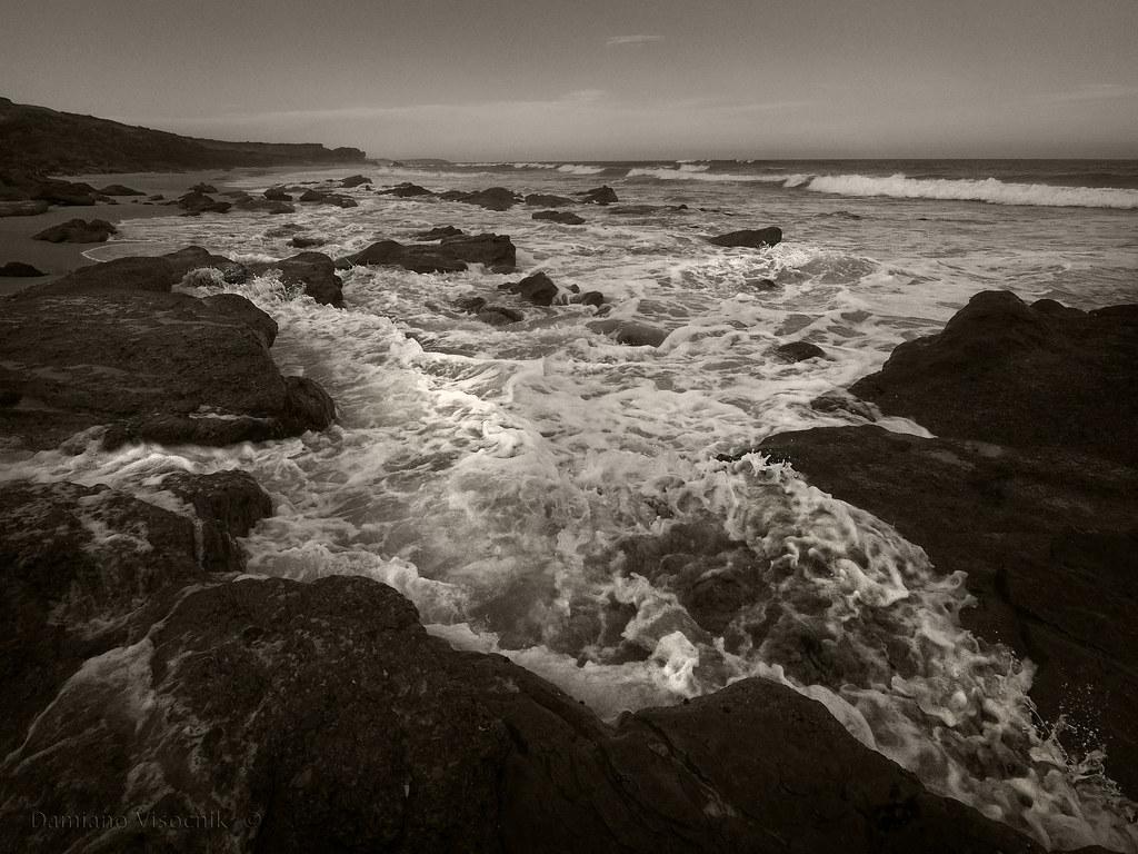Wave surge_BW_c