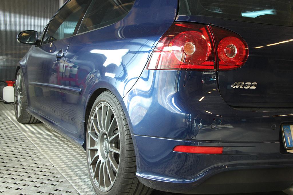 BigFoot Centre - VW Golf R32 Nanotech Detail 22671314398_01a08eb1cf_b