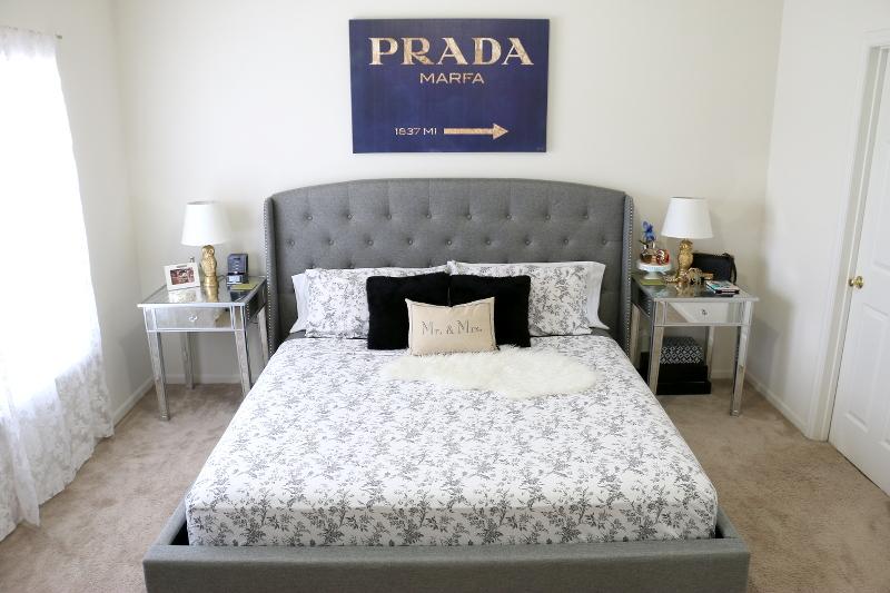 Prada-Marfa-wall-art-bedroom-6
