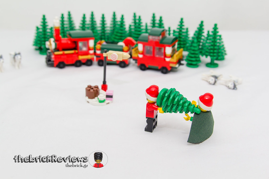 ThebrickReview: Christmas Train - 40138 - Limited Edition 2015 23693010646_865d28cecc_b