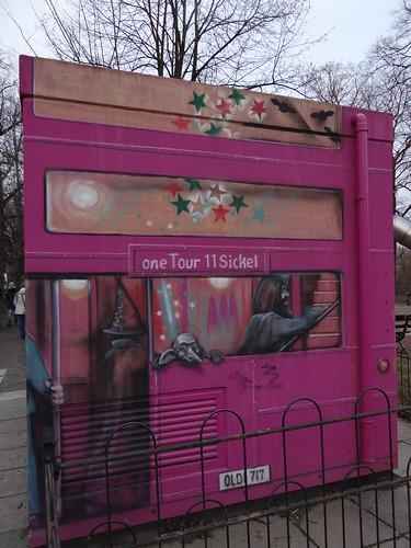 one Tour eine Bus - Graffiti in Dresden Tolkewitz 00055