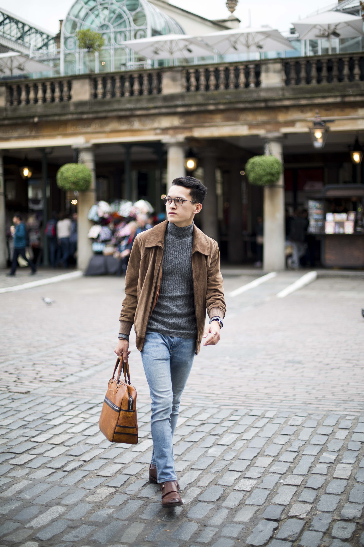 Jordan_Bunker_wearing_glasses_as_a_fashion_accessory_1