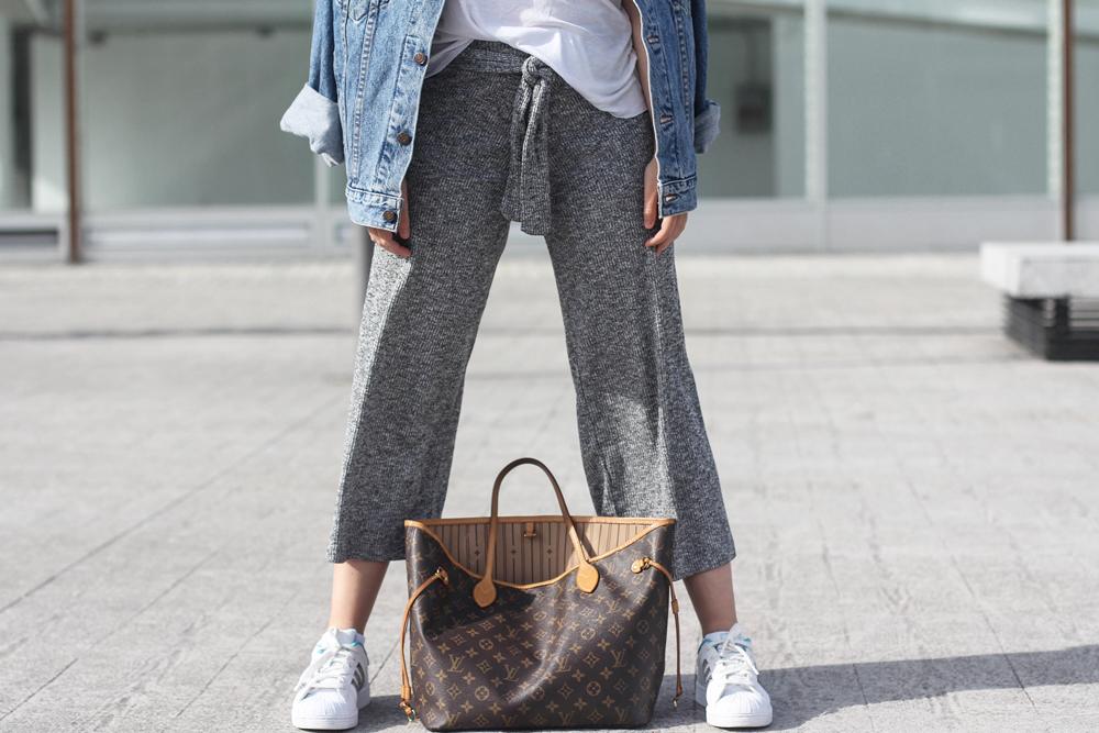 culottes de punto color gris con chaqueta denim myblueberrynightsblog