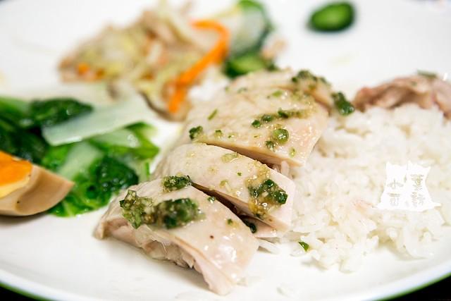 【台北美食】慶城街海南雞飯,中餐、晚餐生意都超好的海南雞飯。近捷運南京復興站
