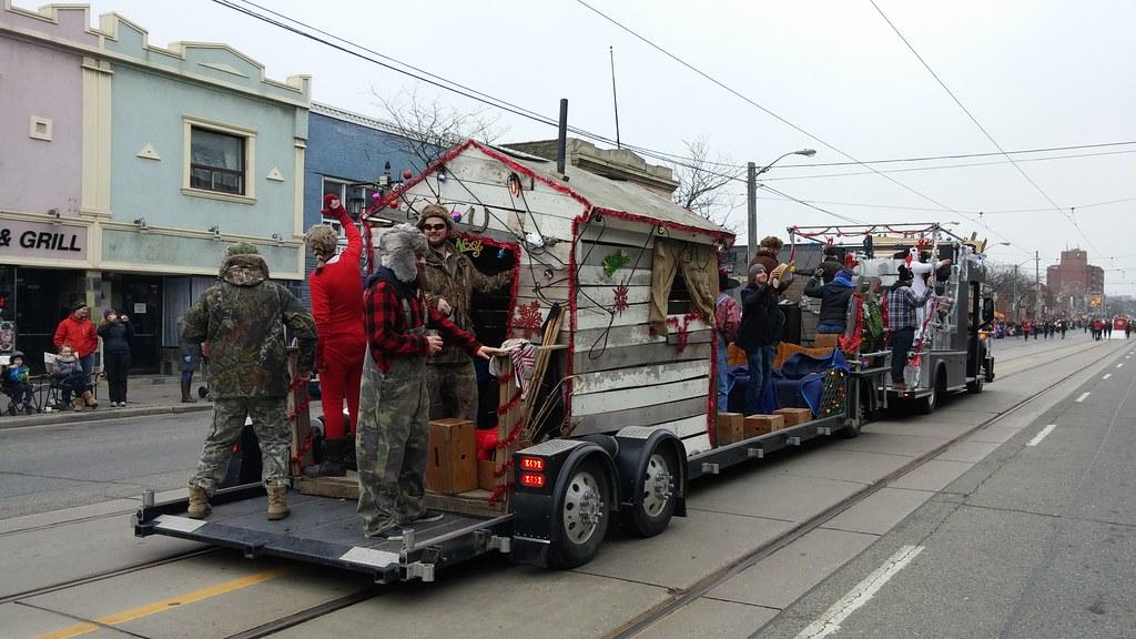 Lake Shore Santa Claus Parade 2015