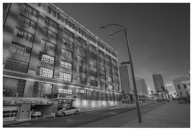 Luther Ely Smith Plaza 2015-12-05 4