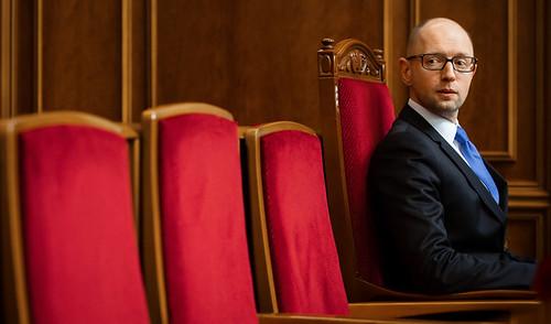 Присмерки камікадзе: триваріанти переформатування уряду Яценюка