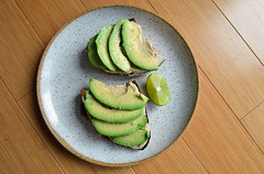 Avocado & Hummus Toast 01.16.17