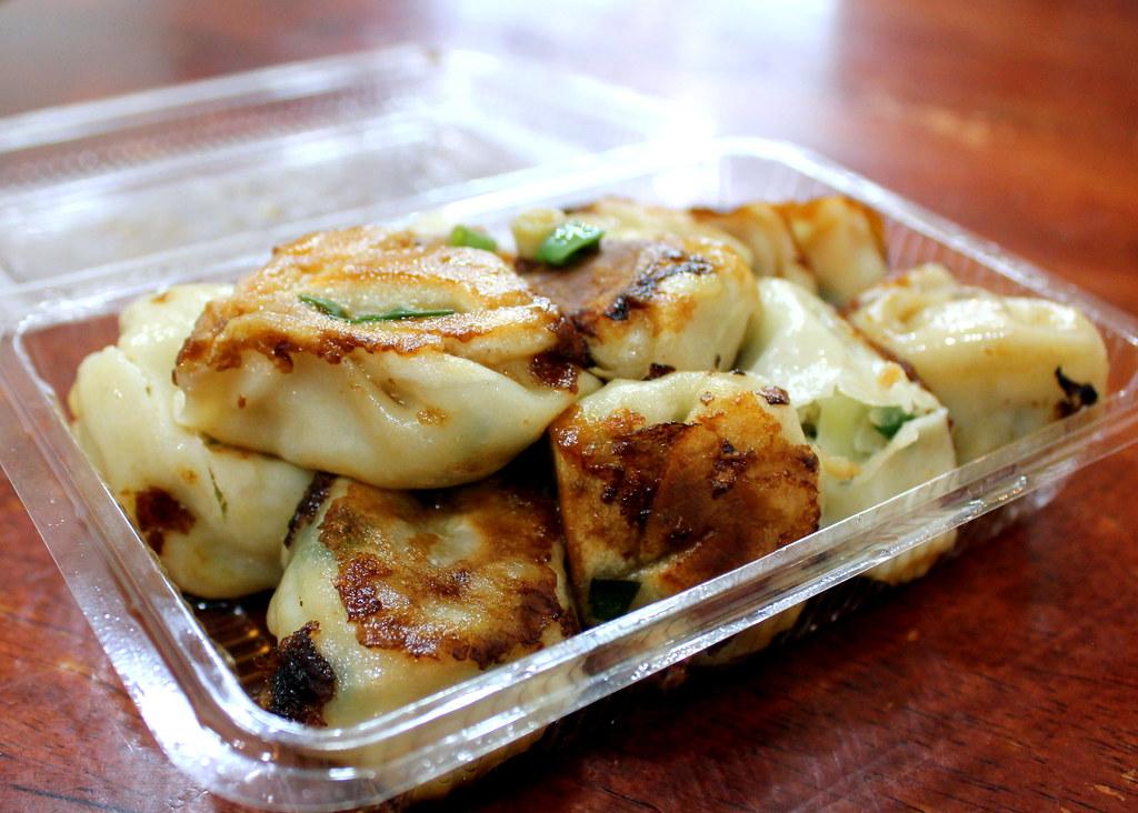 Taipei Night Market Trail: tonghua night market shanghainese meat dumplings