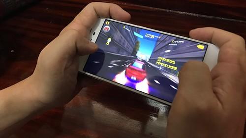 เล่นเกม Asphalt 8: Airborne บน ASUS Zenfone 3 Max ZC553KL