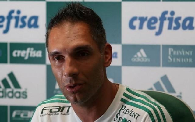 """Prass admite falta de confian�a do Palmeiras: """"Vira uma bola de neve"""""""