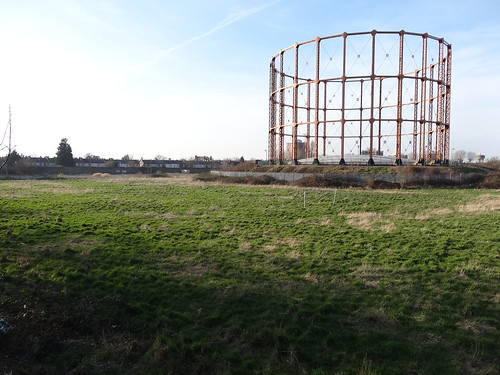 Walk 24 - Gas Holder and Football Goal Post - Goblin Overground walk 1