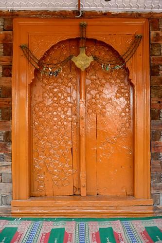 sufism sufishrines kashmirtourism khatambandceiling haankaal hankaal tourisminsrinagar gabledspire sufisminkashmir oldcityofsrinagar