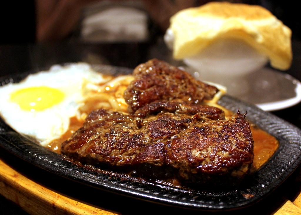 Taipei Night Market Trail: shilin night market beef steak