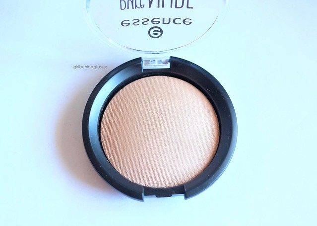 Essence Pure Nude Highlighter3