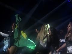 E com a bandeira do Brasil...