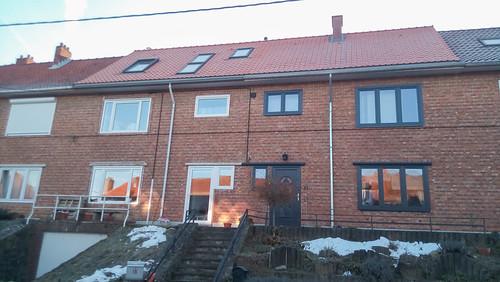 Anche il vicino ha rifatto tetto e finestre
