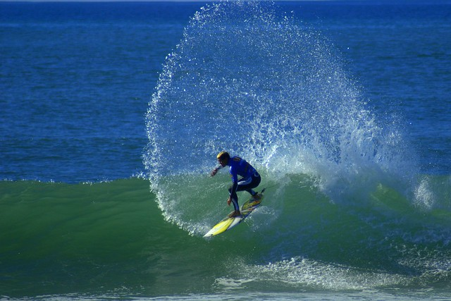 Surfing @ Billabong Pro 2006
