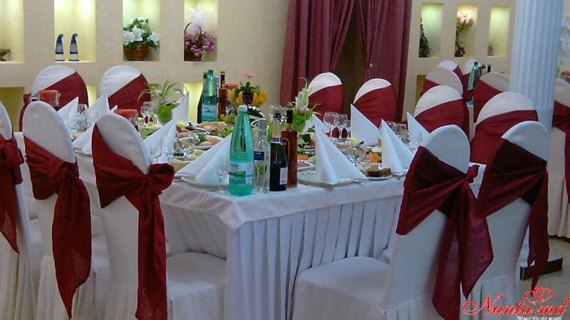 """Restaurant """"Colina Pinului"""" > Foto din galeria `Colina Pinului`"""