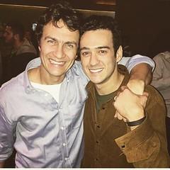 Irmandade na ficção rendeu ótima parceria ! Parabéns a Gabriel Braga Nunes e Marcos Veras ! #AplausoBlogAuroradeCinema #Babilônia #TVGlobo #Projac #GilbertoBraga #novelasdas21 #gabrielbraganunes @mmedicis #marcosveras @omarcosveras