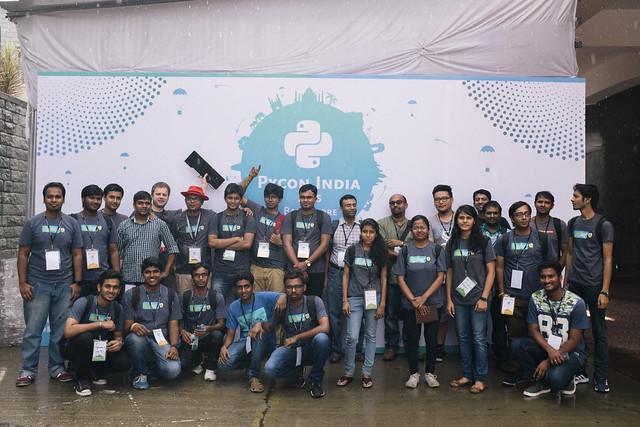 dgplug group shot at PyCon India