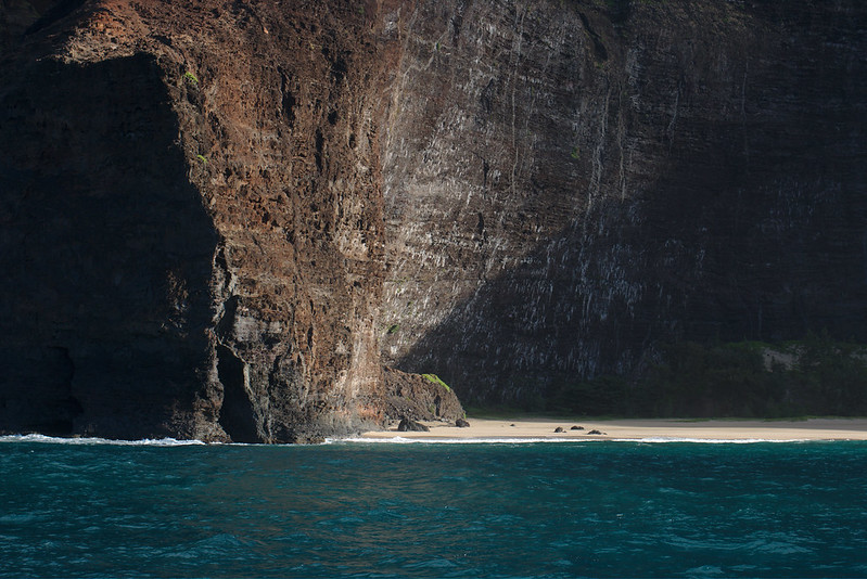 Beach enclosed by cliffs, Nāpali Coast, Kauaʻi
