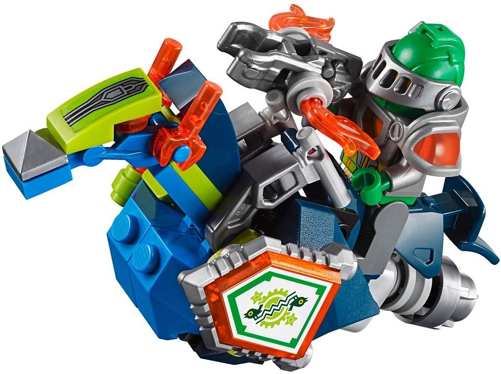 LEGO Nexo Knights 70325 Infernox Captures the Queen Building