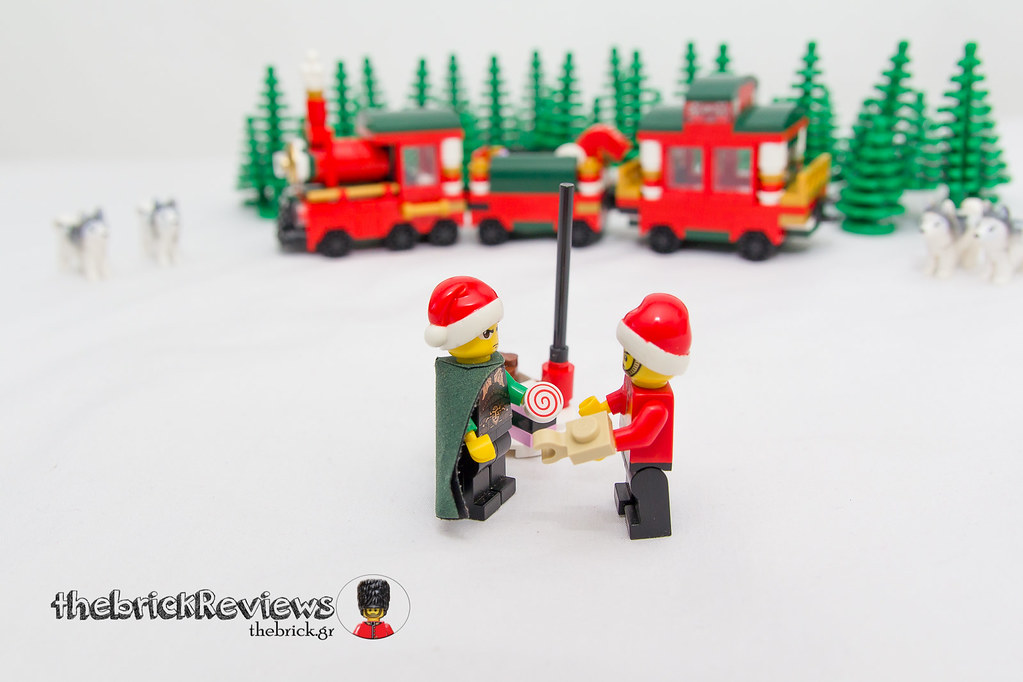 ThebrickReview: Christmas Train - 40138 - Limited Edition 2015 23719075695_720f4f64c8_b