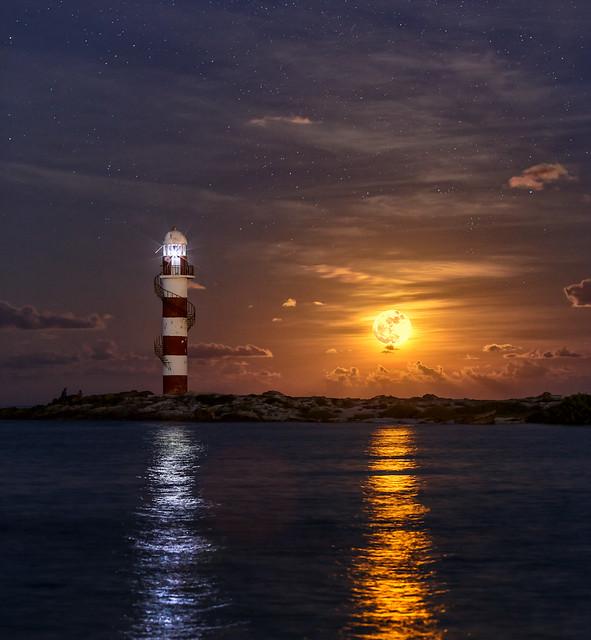 Full Moon Cancun 2.jpg