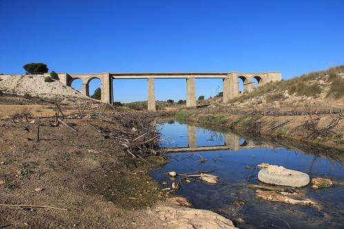 Viaducto sobre el río Valdemembra