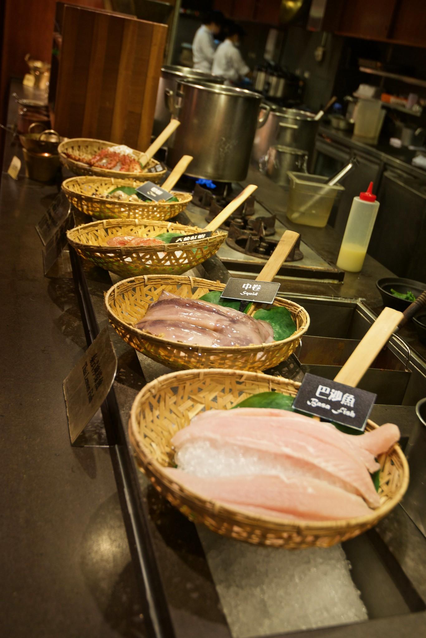 thai food (泰市場)