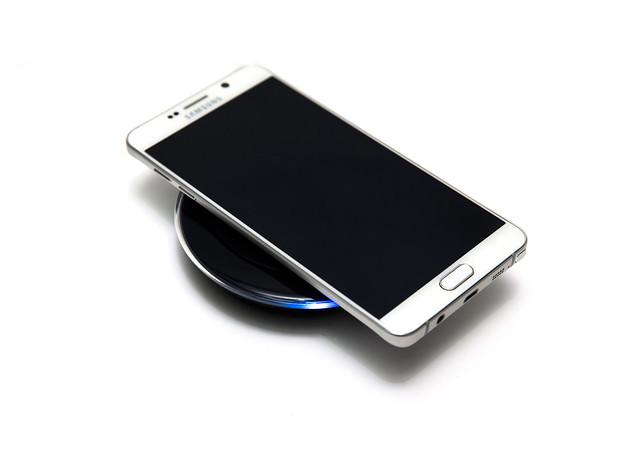 史上最美筆記本!全新設計 Galaxy Note 5 (3) 無線充電變快了!閃電快充實測 @3C 達人廖阿輝