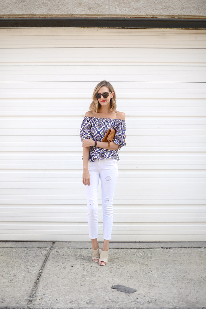 white-jeans outfit summer
