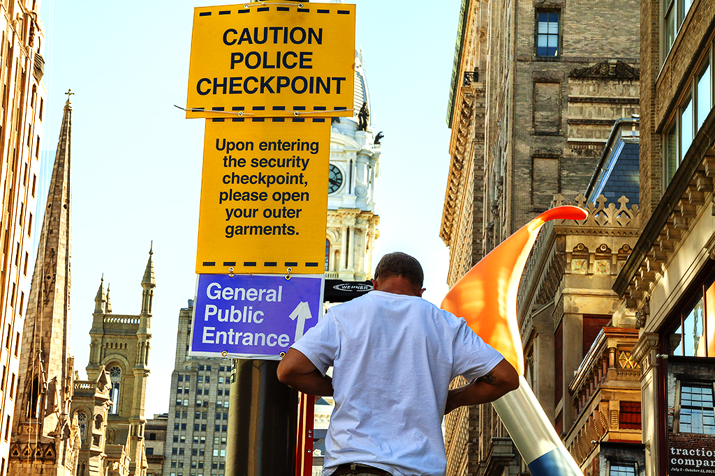 Police checkpoint sign for Pope's visit--Center City