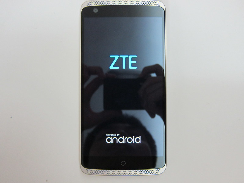 ZTE Axon Elite - Switched On