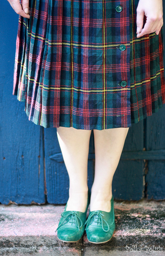 Plaid vintage wool skirt with green lace-up shoes