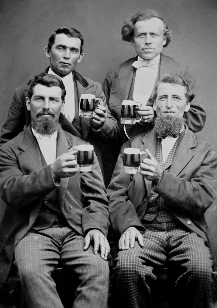 4-guys-and-their-mugs-of-beer-1880