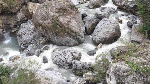 Río rocas